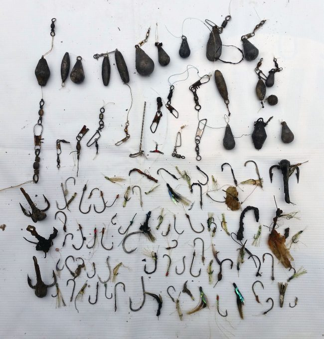 A ridiculous number of fishing hooks and weights were removed from under Salang Jetty - especially as we're in a Marine Park where fishing is prohibited!